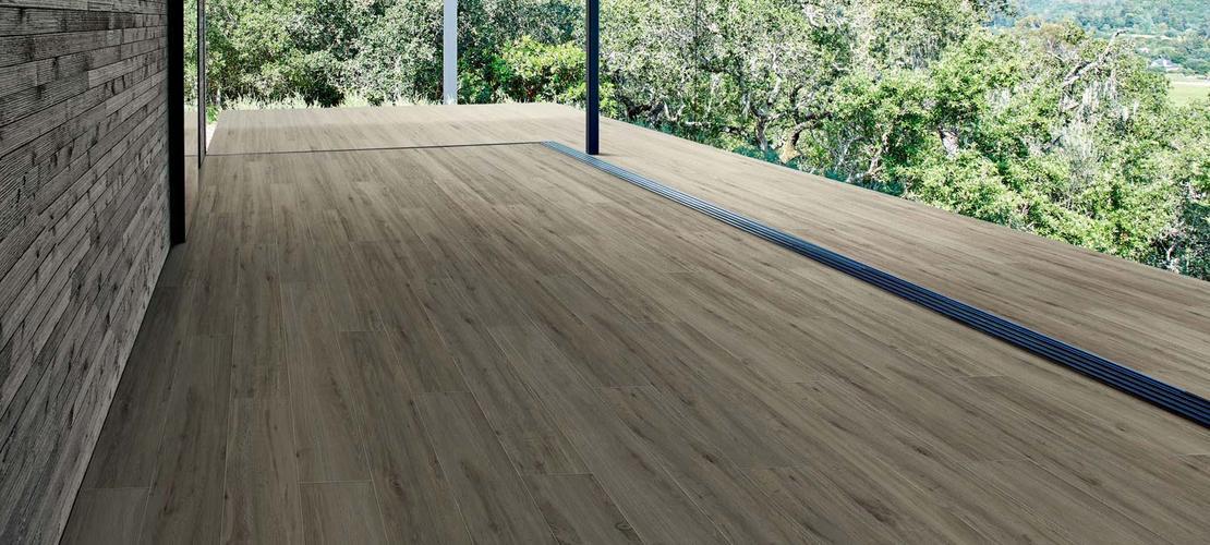 Gres imitacion madera exterior free treverkview azulejos - Suelo imitacion madera exterior ...