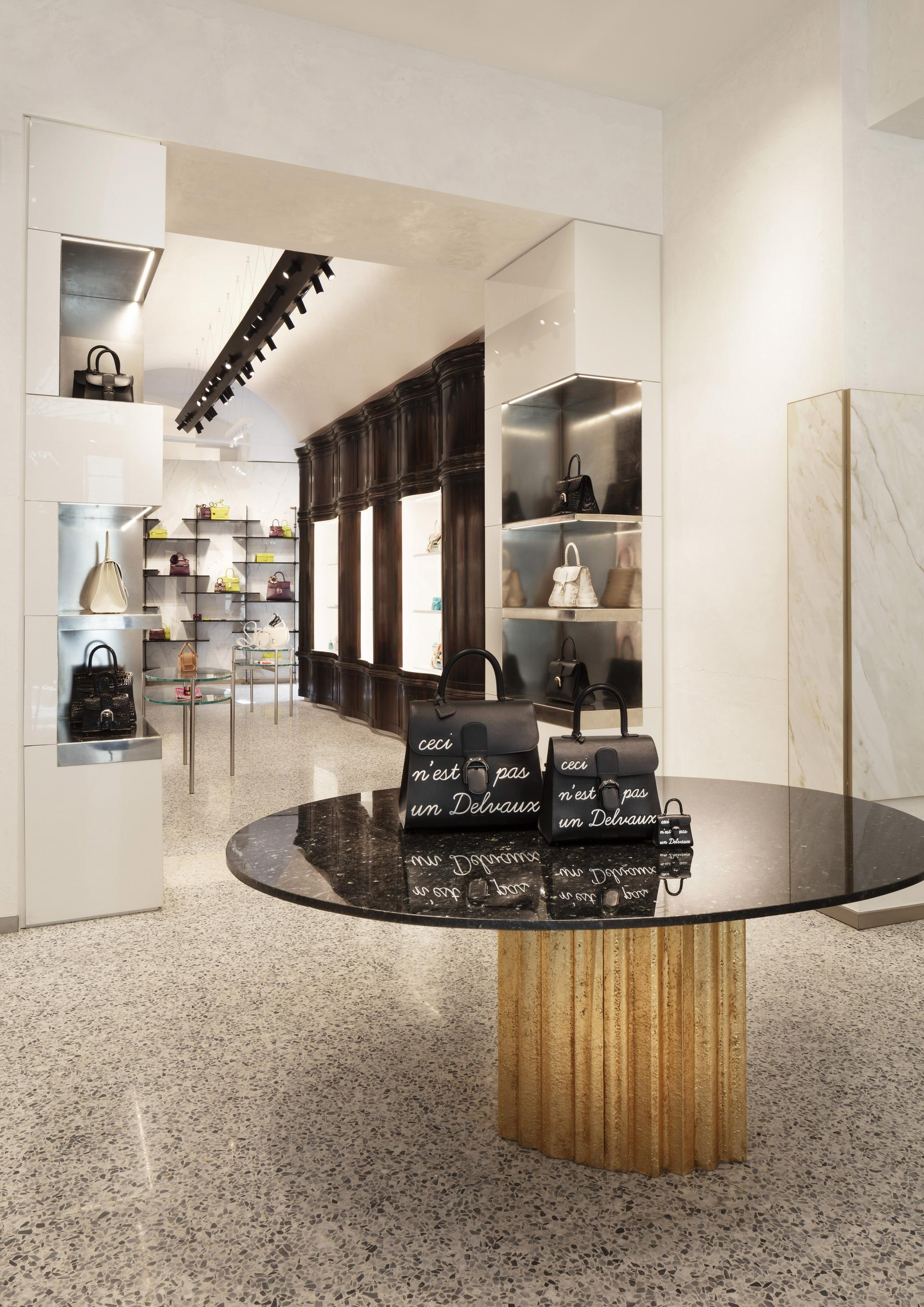 Delvaux Milano photo Santi Caleca